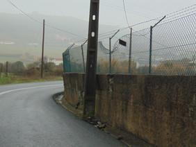 Muro pode ameaçar utentes da estrada Loja Nova-Castanheira