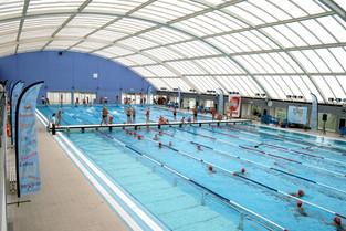 Mais de 700 disputam open de natação em Vila Franca
