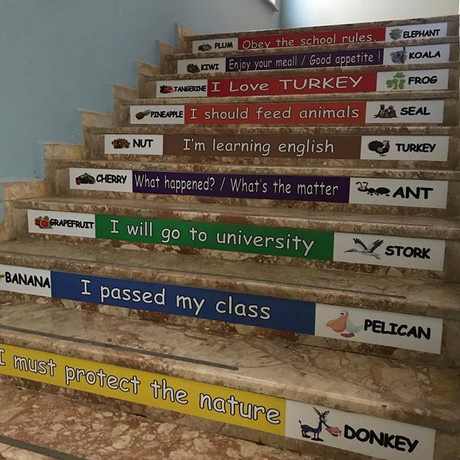 Rengarenk merdivenler
