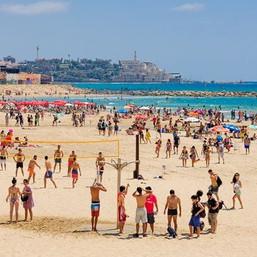 חוף ים עירוני.jpg