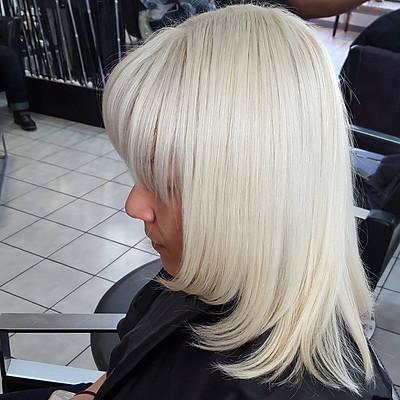 Platinum / Blonde Hair
