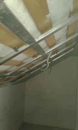 метало каркас потолка