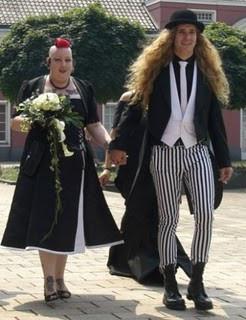 10 Long hair man & big woman.jpg