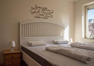 Clyde Schlafzimmer.jpg