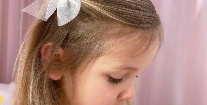 Agrafă de păr - fundiță de organza - albă