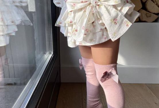 Șosete înalte cu fundă laterală, din bumbac - roz dulce