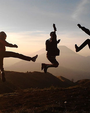 havefun-holiday-friendship-jump.jpg
