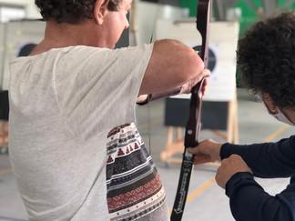 Que tal experimentar uma aula de arco e flecha?