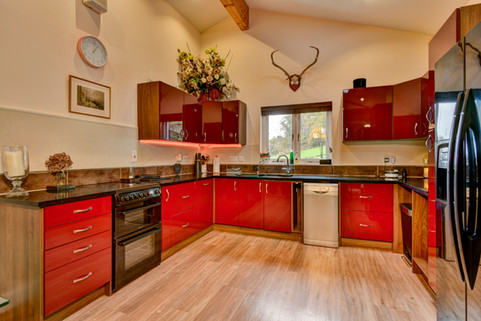 Coleridge a luxury dog friendly cottage with private hot tub, enclosed garden in rural somerset