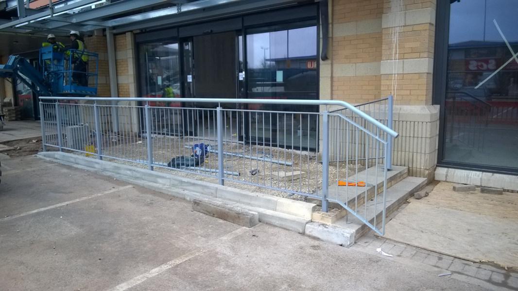 Retail Park Handrail