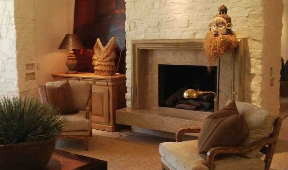 Fireplace with functional and attractive niche