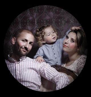 Portrait de famille à Montignac,  3 place d'armes