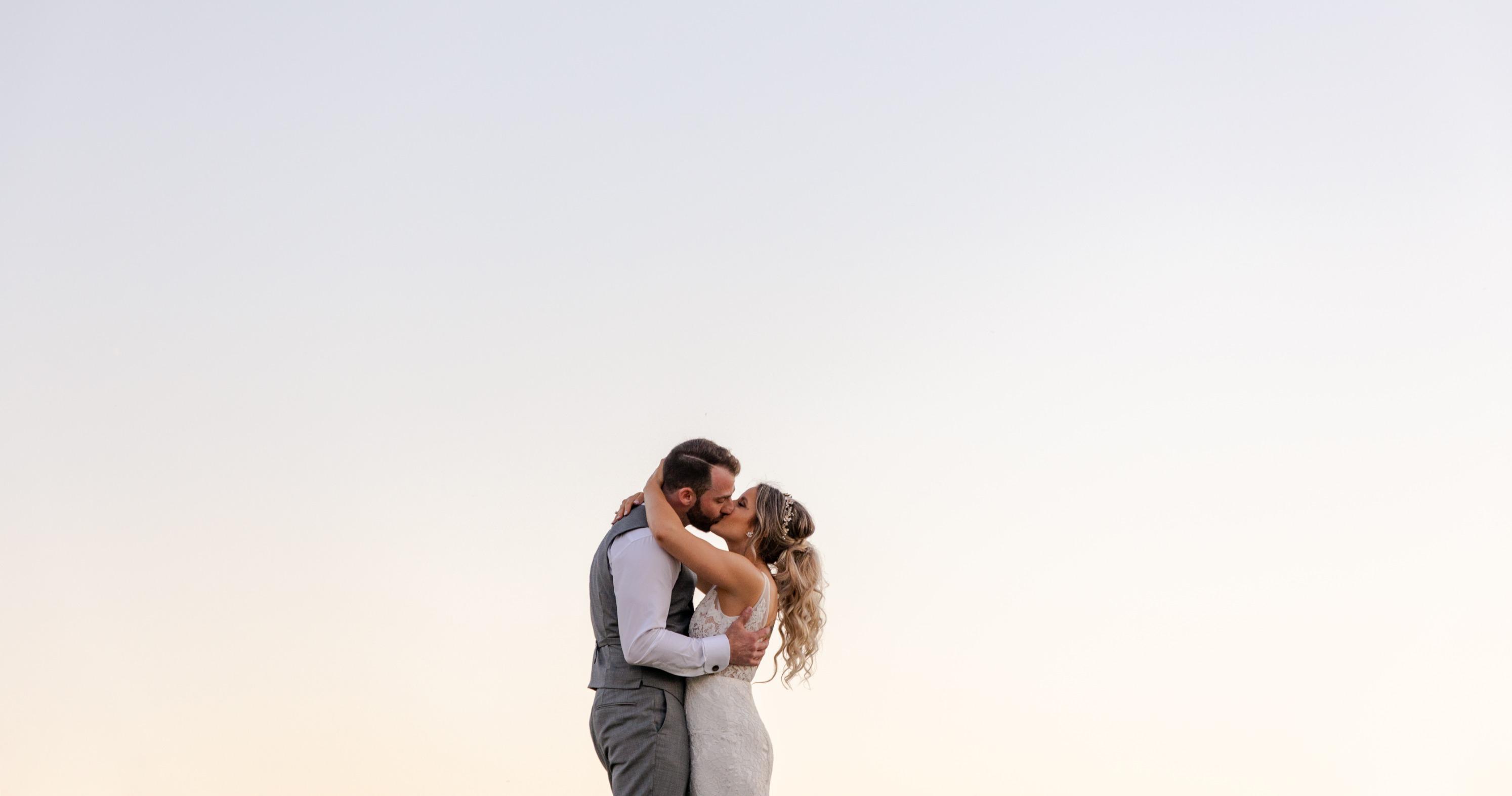 Ontario-Wedding-and-Elopement-Photographer