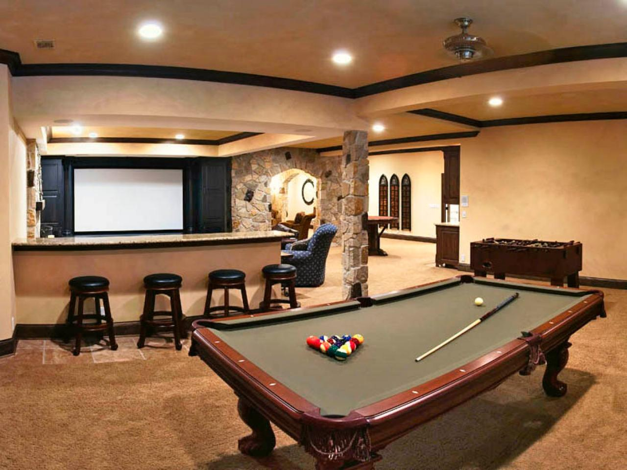 RS_Bryan-Sebring-Basement-Billards-Room_s4x3.jpg.rend.hgtvcom.1280.960.jpeg