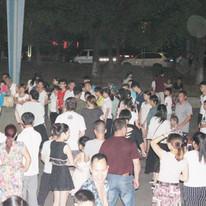 more crowds gathering.