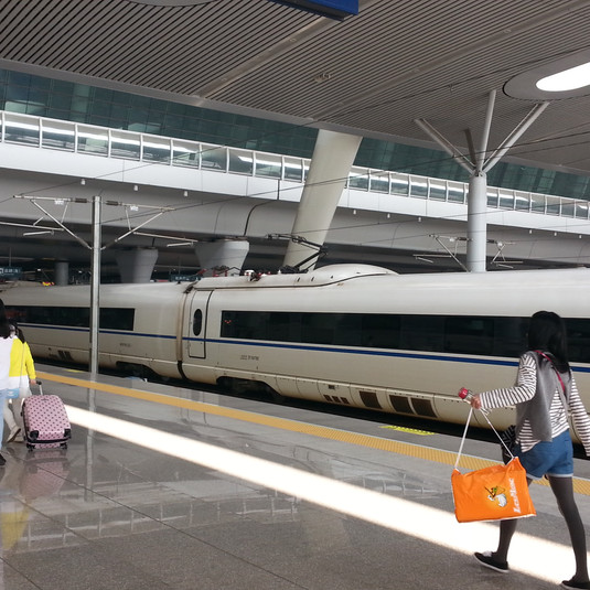 Taking the train from Shanghai to Taizhou