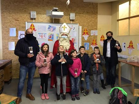 Visite de Saint-Nicolas à l'école