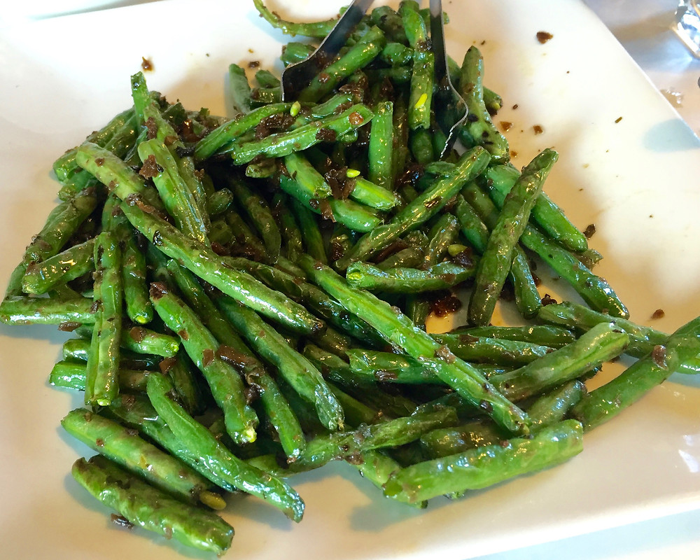 Shanghai 46-dry sauteed string beans