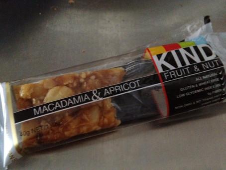 Macadamia & Apricot Kind Bar
