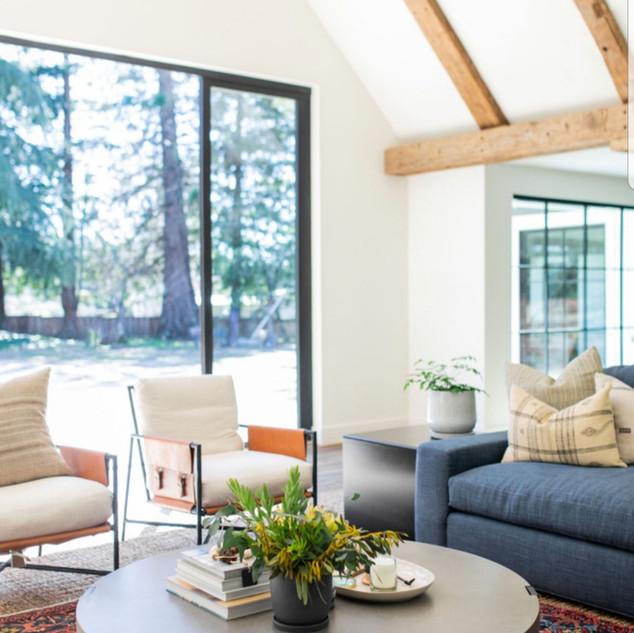 Contemporary Kitchen & Interior Design (