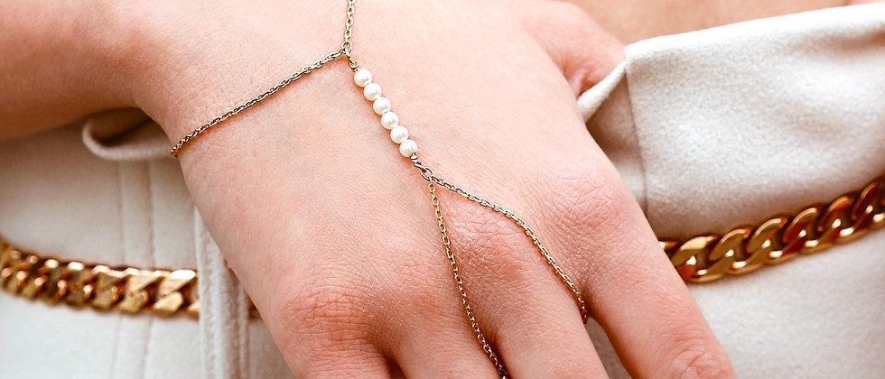 Pearl Handchain (M)