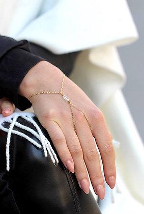 Diamond Handchain (S)
