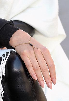 Black Pearl Handchain (S)