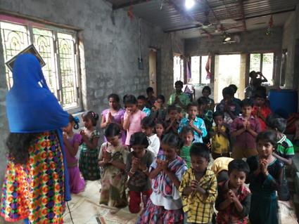 Mary-Babu-with-Orphans1.JPG