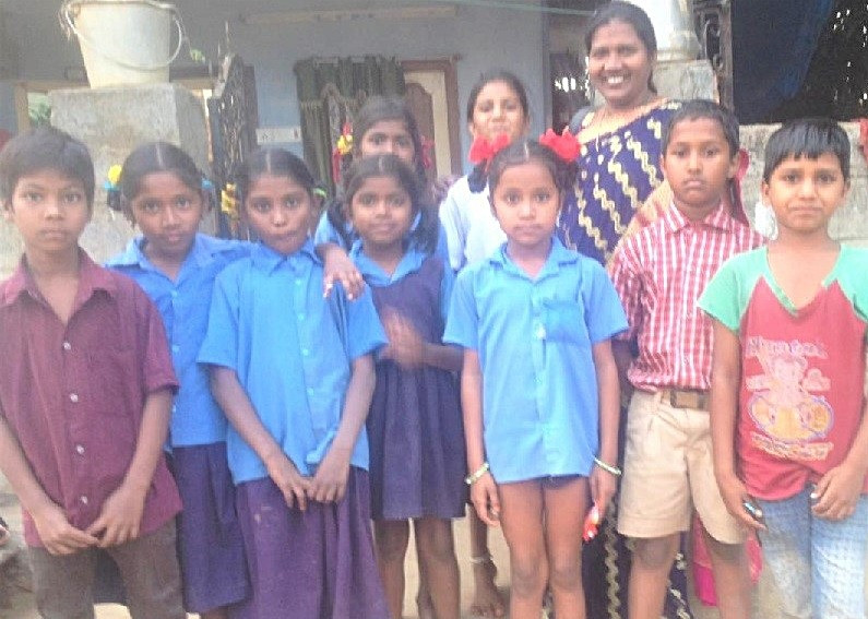 Jayamma-Orphanage1b_edited.jpg