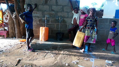 Niger-girls-fetching-water.JPG
