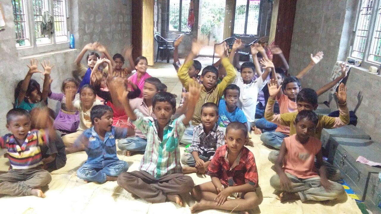 babu-orphanage-kids.JPG