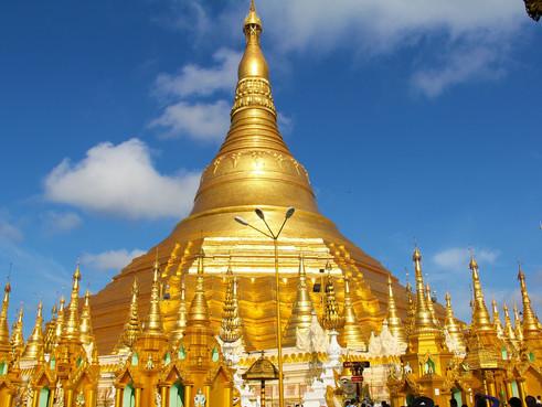 myanmar golden-temple-259800_1920.jpg