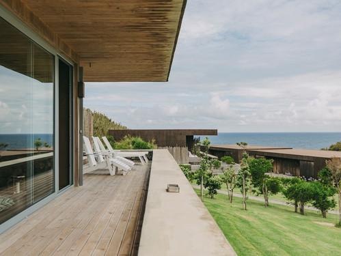 santa-barbara-eco-beach-balcony.jpg