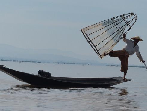 myanmar inle fisher.jpg