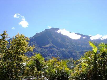 reunion mountain-1287604_1920.jpg