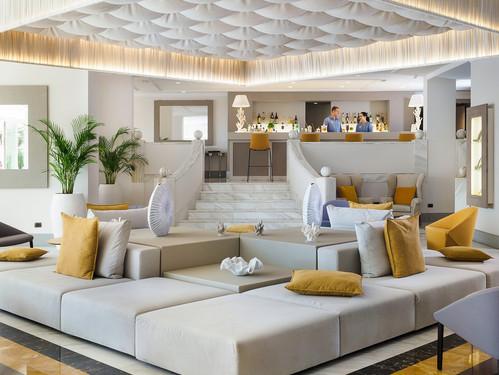 voi-grand-hotel-mazzaro-bar-inside.jpg