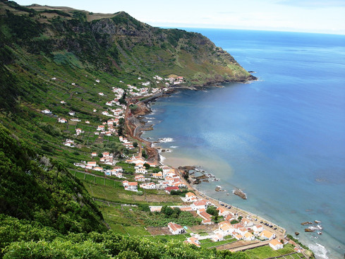 azoren village coast.jpg