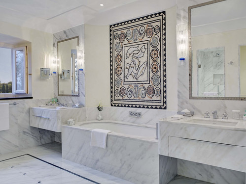 belmond-hotel-splendido-bathroom.jpg
