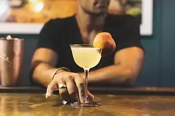 Cylinder Vodka Fig-ure it out