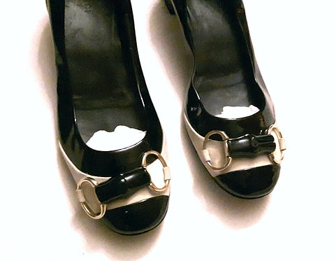 Authentic Gucci Black Classic Patent Leather Pumps 37.5