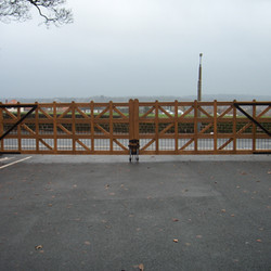 Sudley-gates-008.jpg