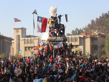 Chile vence el COVID-19, y lo celebra con saqueos terroristas Antifas