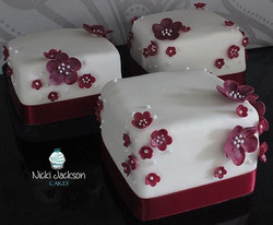 Cluster of Blossoms Mini Cakes