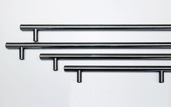 Different length steel bar handles