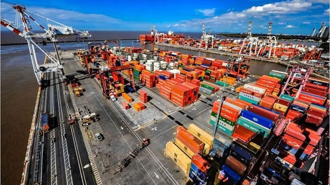 Gobierno oficializa suspensión de plazos en materia aduanera durante la emergencia pública