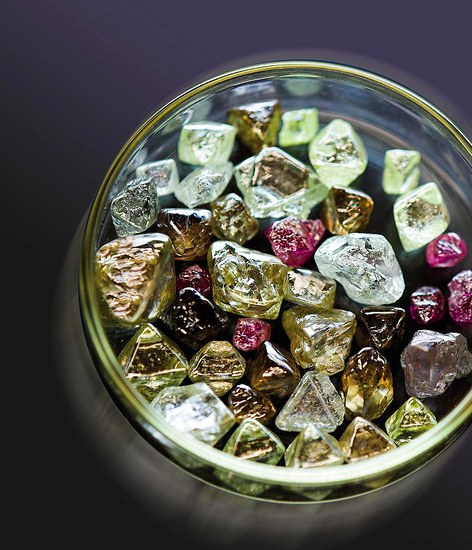 Raw colored diamonds from Australia