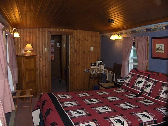Caboose 4 bedroom.jpeg