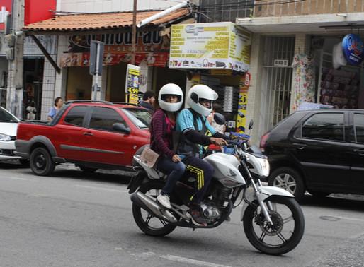 Uma cidade sobre duas rodas: a saga dos mototaxistas de CG