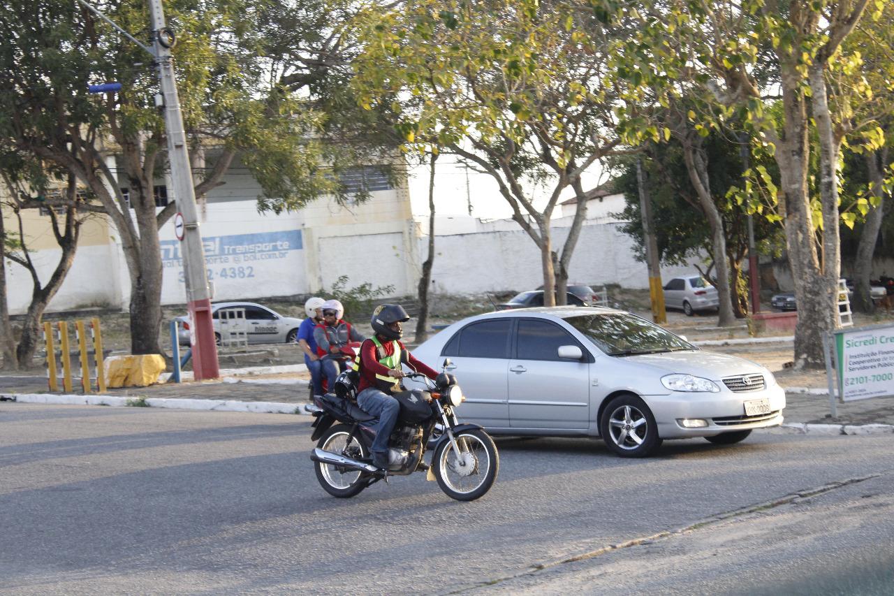 Duas rodas que riscam a cidade. Foto: Iuri Amorim.