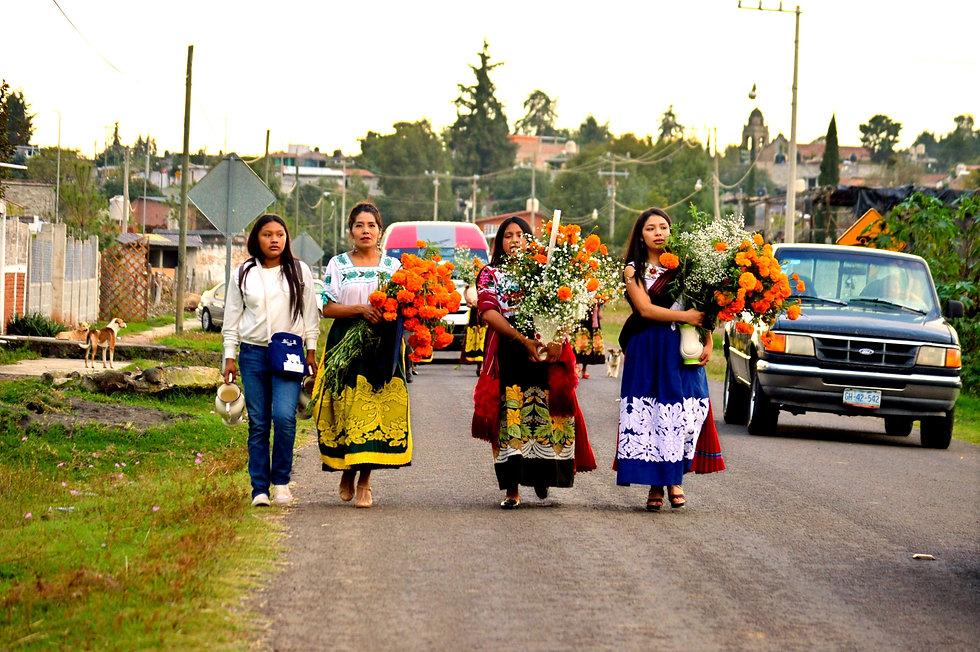 P'urepecha Women - Dia de Muertos
